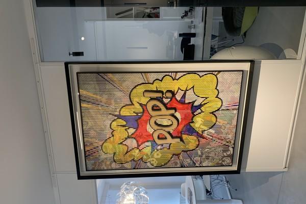 L'œuvre Kinetic « Popexplosion » de l'artiste Patrick Rubinstein est à découvrir à l'agence.